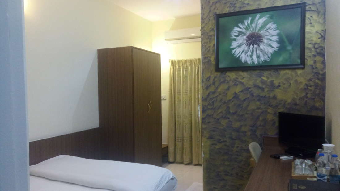Studio Room, hotel in sahakara nagar, chairman s club and resort 1