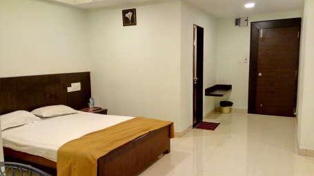 Standard AC Room - Kohinoor Square Kolhapur Kolhapur Hotels 2