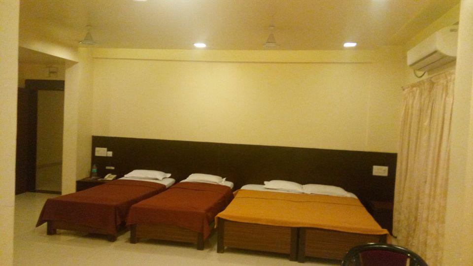 Deluxe AC at Kohinoor Square Kolhapur Hotels in Kolhapur 1