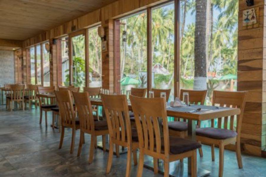 alt-text black lemon restaurant, coral reef resort, hotel in havelock island
