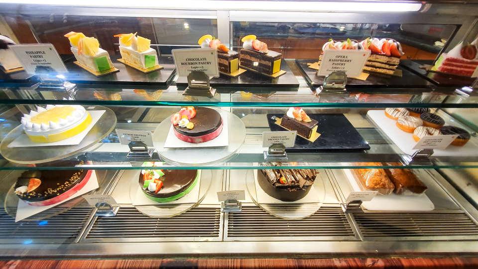 Restaurant in Vile Parle, Orchid Hotel Mumbai Vile Parle, Hotel Near Mumbai Airport 3