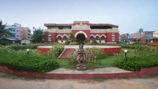 Mahodadhi Palace - Heritage Beach Resort in Puri