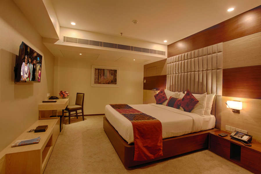 alt-text Club Superior Room Levana Hotel Hazratganj Hotels