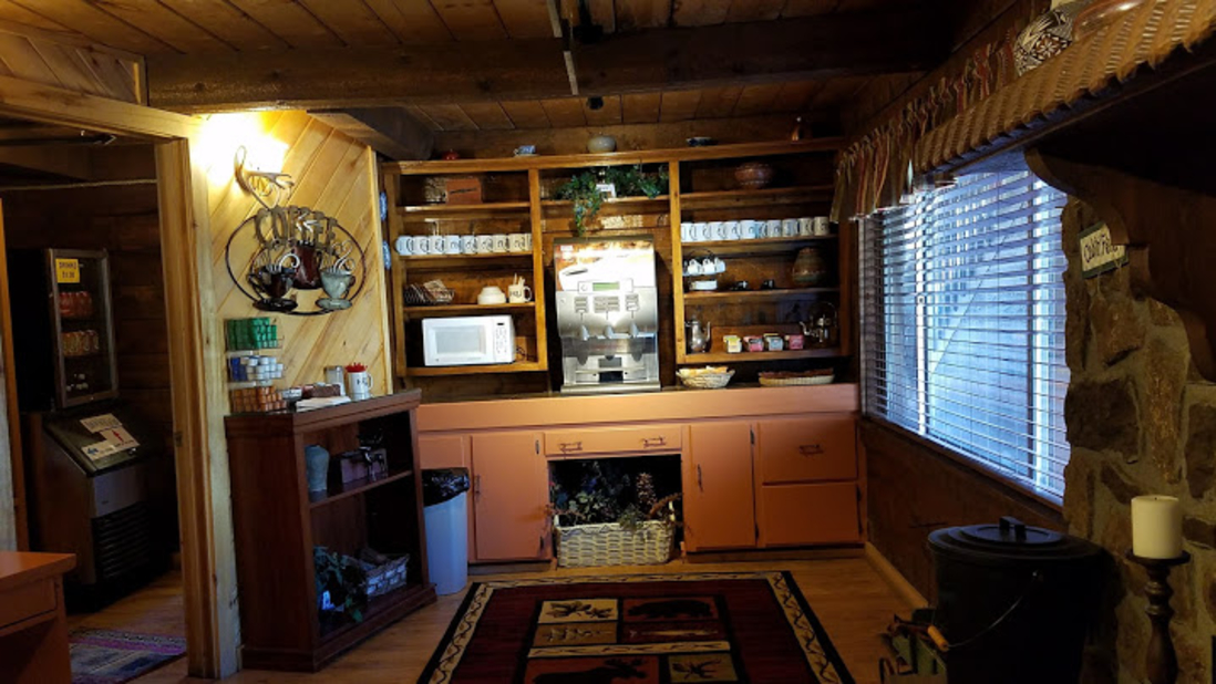 Lodging near Wold Creek, High Country Lodge and Cabins, Colorado 6