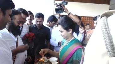 Sri Ravi Shanker at the Orchid Hotel Pune