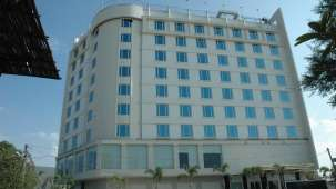 Facade at Hotel Sarovar Portico Jaipur 2