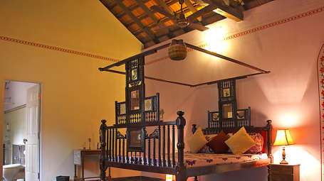 Arco Iris - 19th C, Curtorim Goa The Violet Room Arco Iris - 19th C Curtorim Goa