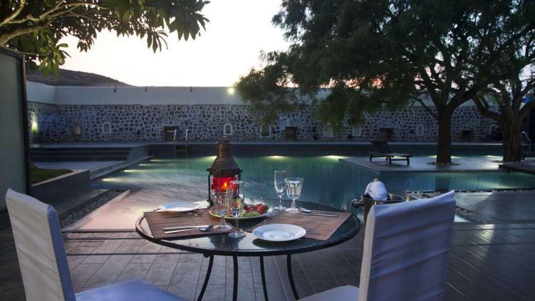 Kund, The Poolside Bar In Pune, Fort JadhavGADH Resort , Pune Hotels