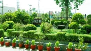 Garden at Hotel Doves Inn Gurgaon