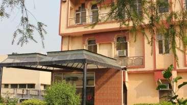 Facade of Hotel Doves Inn Gurgaon