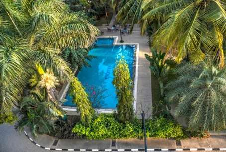 outdoor-swimming-pool