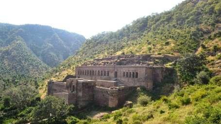 Bhangar Fort - Umaid Lake Palace Hotel Kalakho Dausa Rajasthan