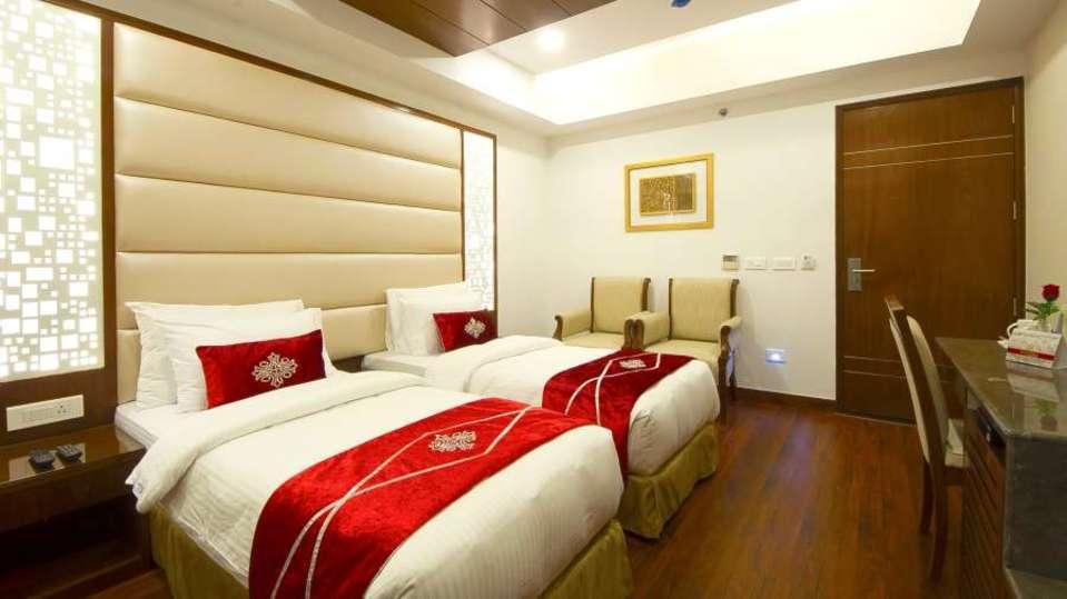 Hotel Swaran Palace, Karol Bagh, New Delhi New Delhi Premium Room Hotel Swaran Palace Karol Bagh New Delhi 3