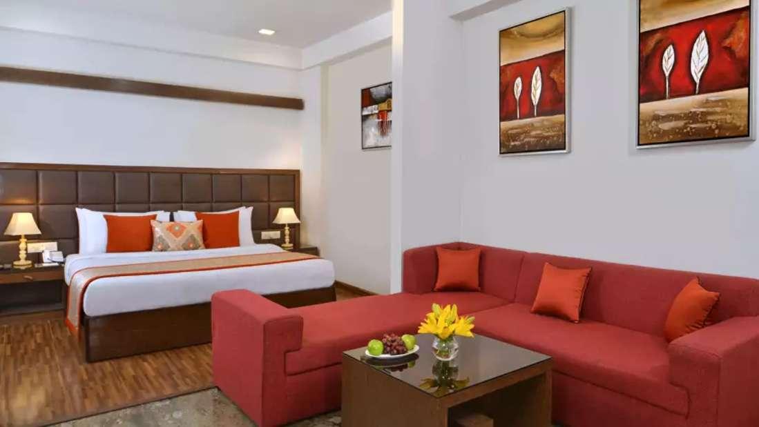 Room 2 Taurus Sarovar Portico IGI Delhi u24sjm