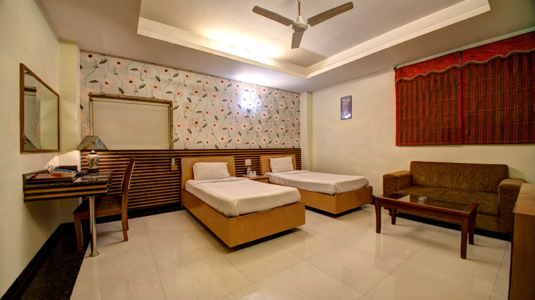 Twin Room at Hotel PR Residency Amritsar - Hotels in Amritsar
