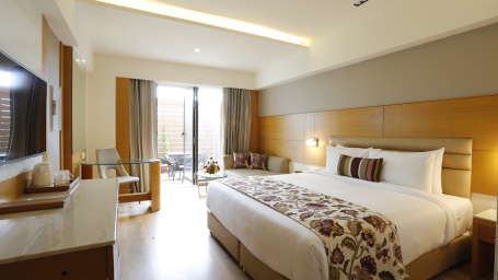 Deluxe Rooms in Jhansi with Private Balcony at Natraj Sarovar Portico Jhansi