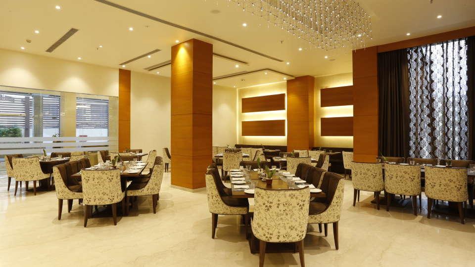 Best Restaurants in Jhansi, Restaurant Nataraj Sarovar Portico Jhansi 14