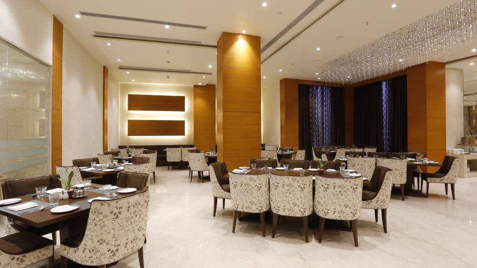 Best Restaurants in Jhansi, Restaurant Nataraj Sarovar Portico Jhansi 15