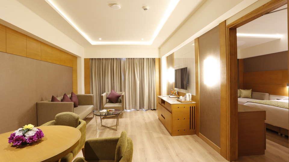 Suite in Jhansi, Executive Suite at Nataraj Sarovar Portico Jhansi, business hotel in Jhansi 6