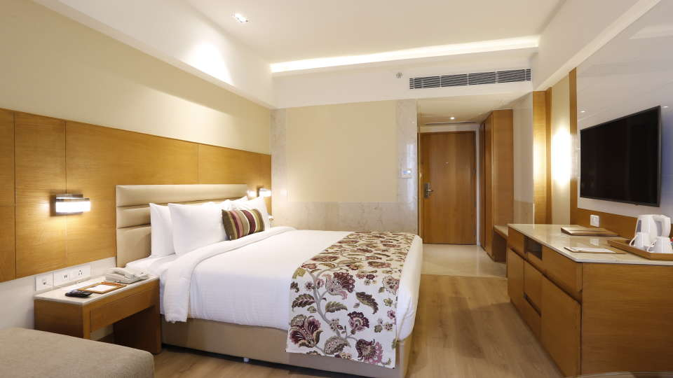 hotel rooms in Jhansi, Superior Rooms in Jhansi with King-sized Bed at Natraj Sarovar Portico Jhansi 2