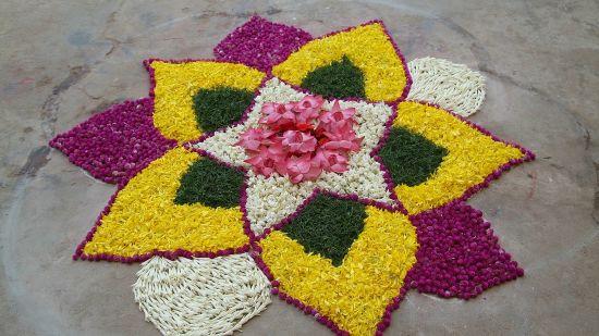 flower-rangoli-593791 1920