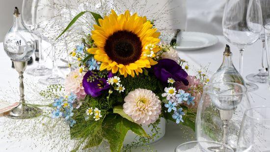 floral-arrangement-4670383 1920