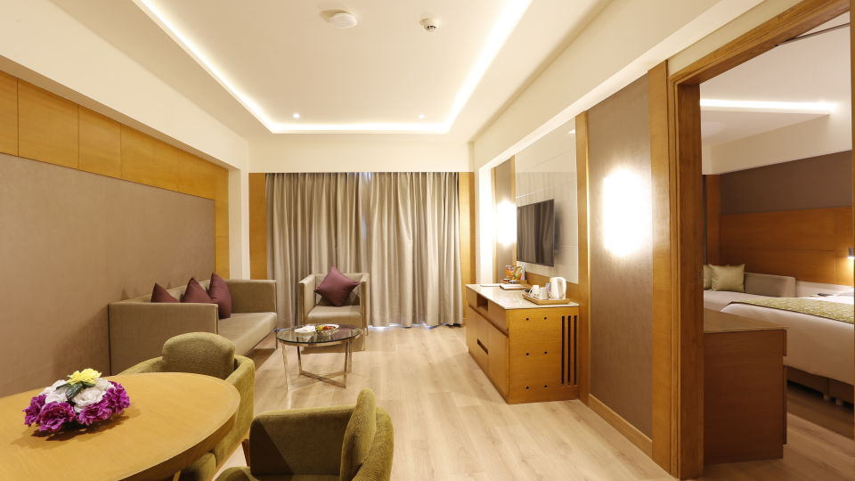 Suite in Jhansi, Executive Suite at Nataraj Sarovar Portico Jhansi, business hotel in Jhansi 6