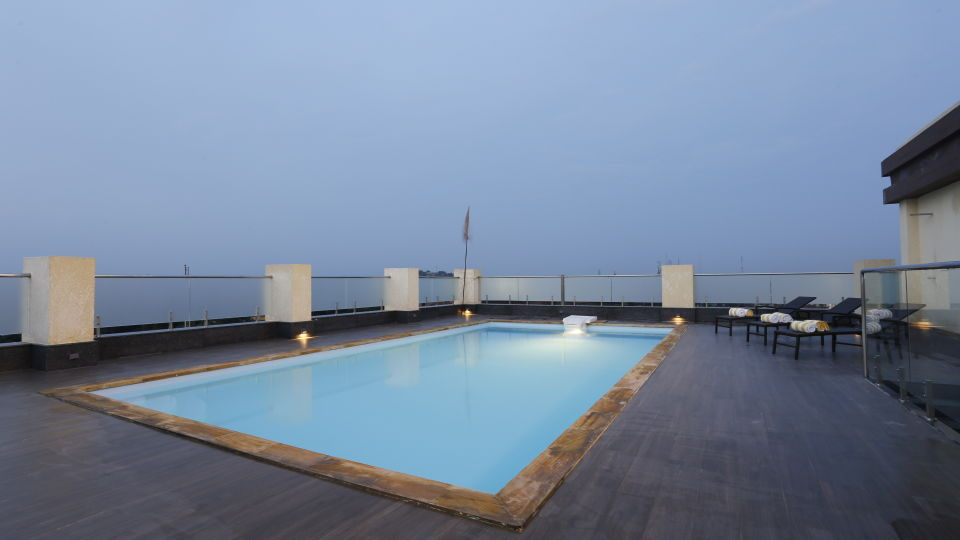 Swimming Pool at Natraj Sarovar Portico Jhansi, Luxury Hotels in Jhansi with Swimming Pool 1