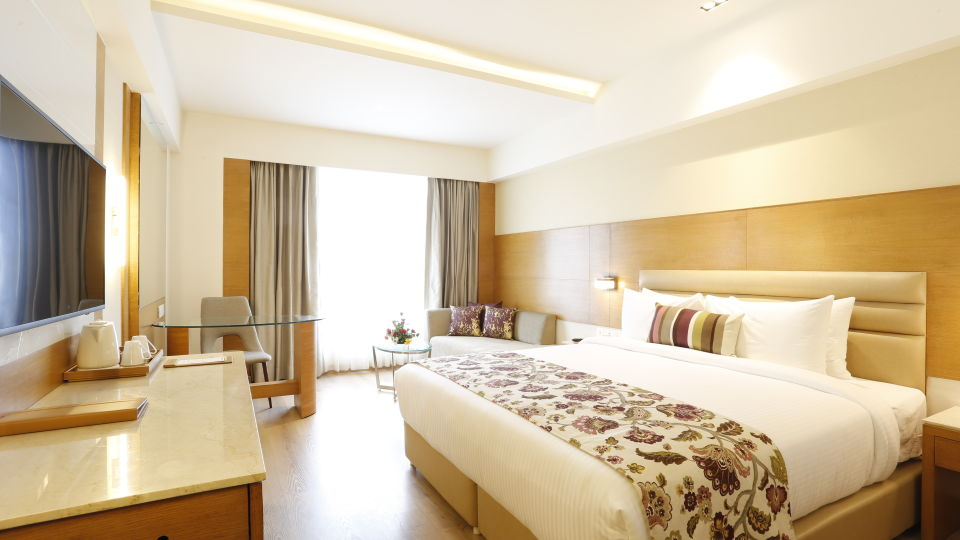 hotel rooms in Jhansi, Superior Rooms in Jhansi with King-sized Bed at Natraj Sarovar Portico Jhansi 1