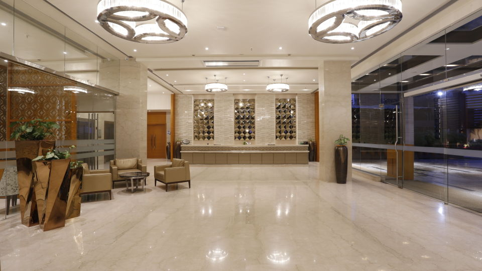 lobby at Nataraj Sarovar Portico Jhansi, business hotels in Jhansi zdvzdc
