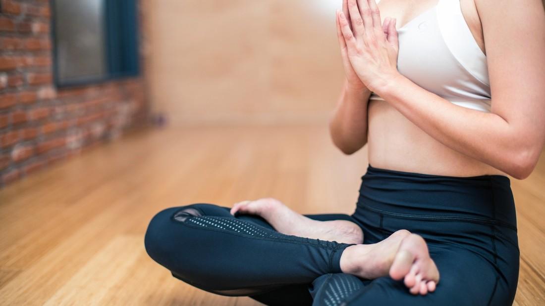 yoga-3053488 1920
