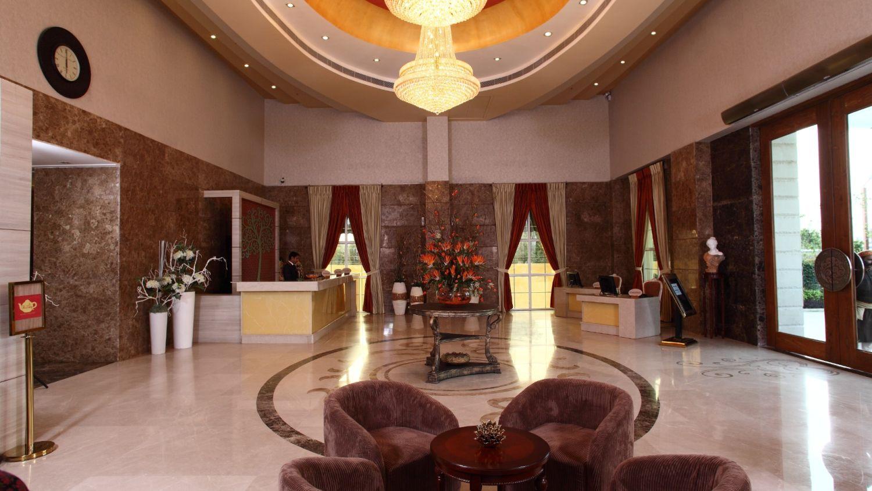 Vrindavan Hotel Nidhivan Sarovar Portico Hotel In Vrindavan 2000