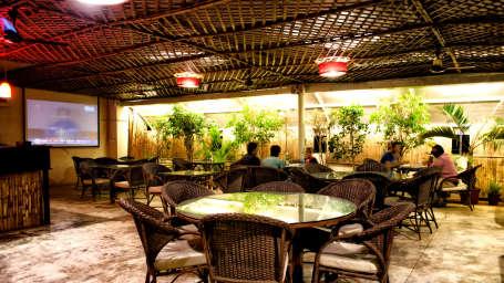Shetty Gardenia Hotel, Bangalore Bangalore Rooftop Restauarnt Shetty Gardenia Hotel Bangalore
