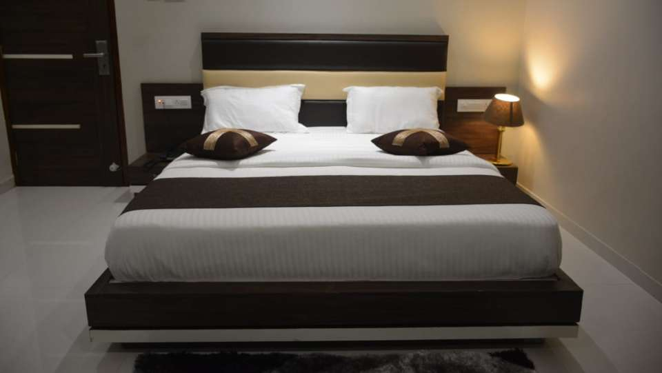 Deluxe Room VITS Aradana Bhavnagar Rooms in Bhavngar 5