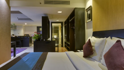 EXECUTIVE BED ROOM at Davanam Sarovar Portico Suites Bangalore