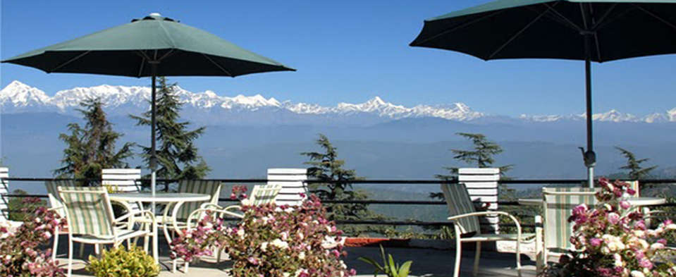 Sun n Snow Inn Hotel Kausani Kausani Sun n Snow-breakfast area Sun n Snow Inn hotels in Uttarakhand, resorts in uttarakhand, hotels in kausani 95959