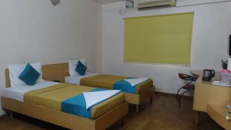 Super Deluxe Room, Online Suites Bangalore - A unit of Shanthiniketan Homes, Rooms near Electronic City