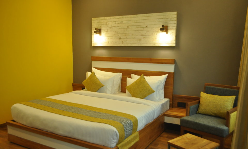 Pool View Suites, The Golden Tusk, Suites in ramnagar 3