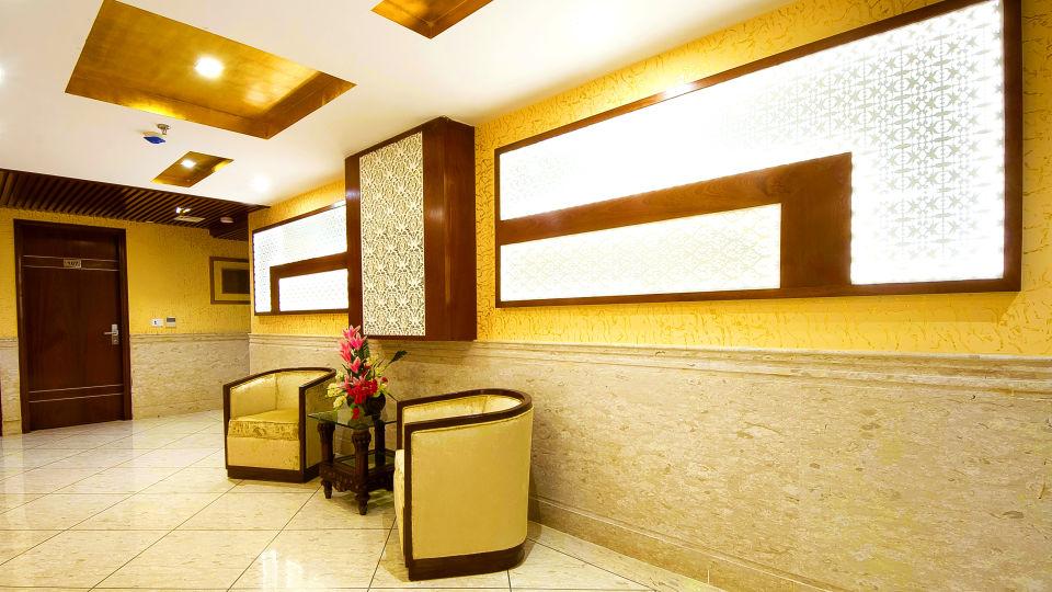 Hotel Swaran Palace, Karol Bagh, New Delhi New Delhi floor lobby 2 Hotel Swaran Palace Karol Bagh New Delhi