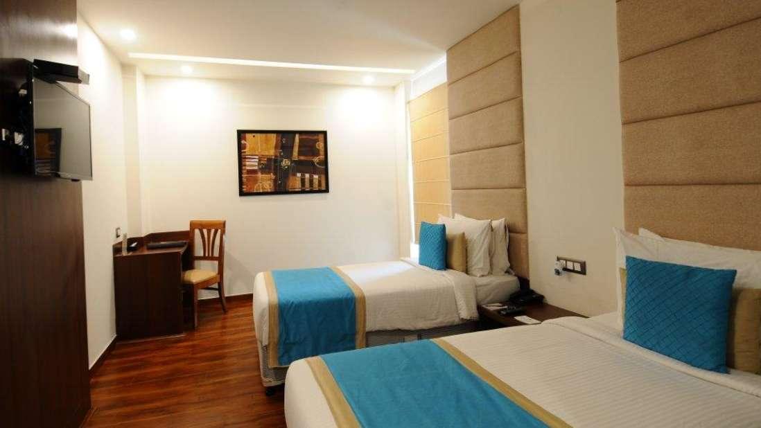 Executive Room- Twin Bed Hotel Ascent Biz Noida