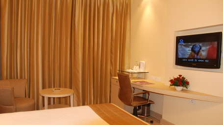 Superior Room at Hotel Sarovar Portico Naraina New Delhi 6
