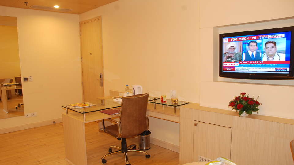 Deluxe Rooms at Hotel Sarovar Portico Naraina New Delhi 8