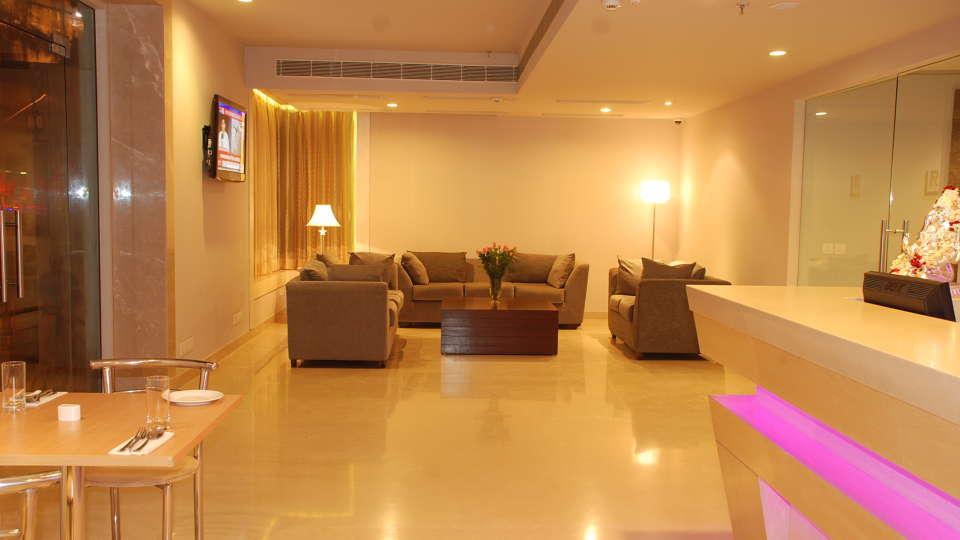 Lobby Sarovar Portico Naraina New Delhi 3
