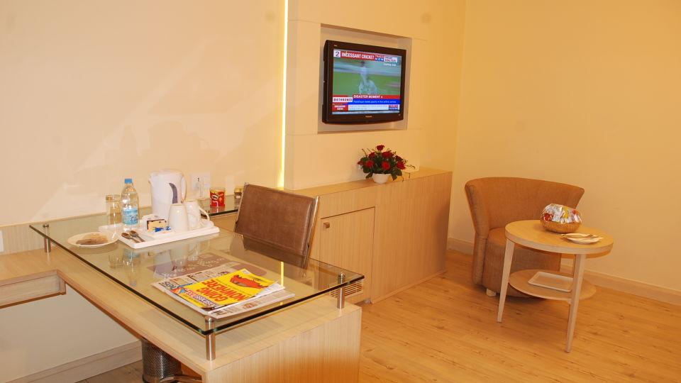 Deluxe Rooms at Hotel Sarovar Portico Naraina New Delhi 6