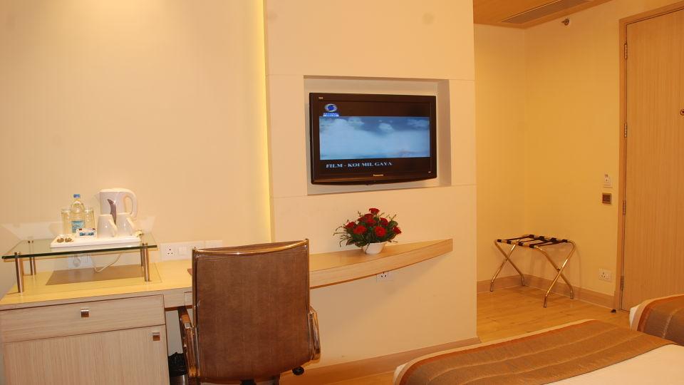 Superior Room at Hotel Sarovar Portico Naraina New Delhi 7