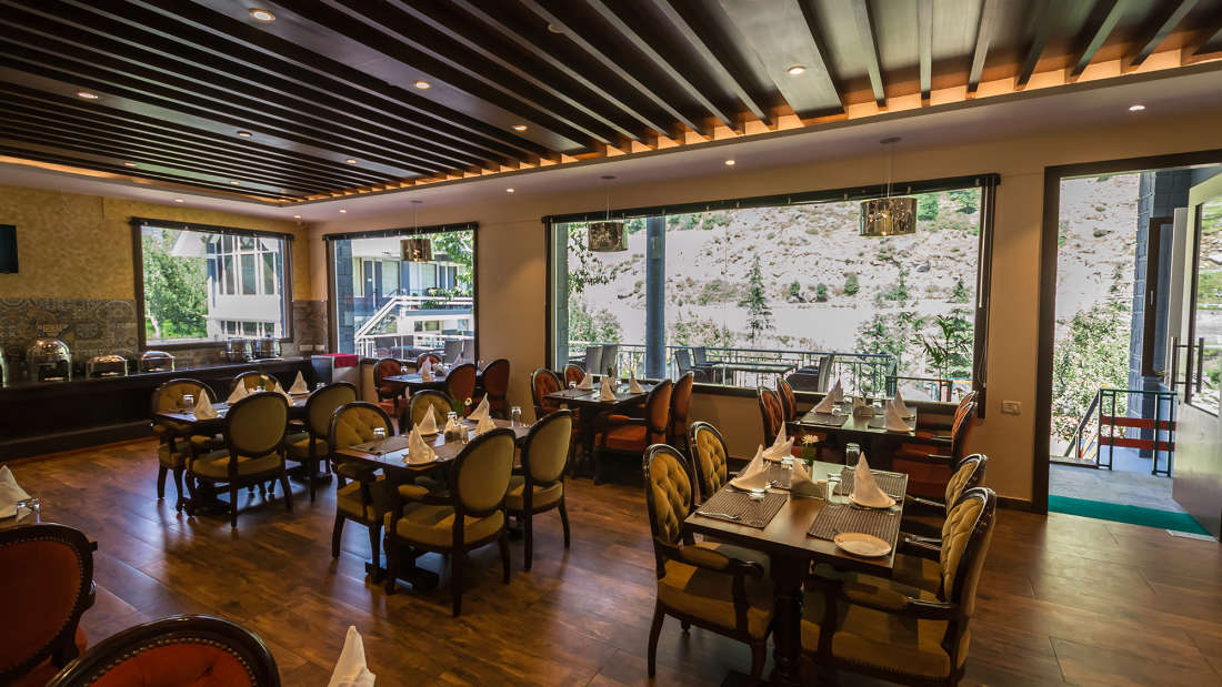 Ice n Spice, The Highland Park, Restaurant in Manali1