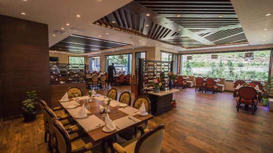 Restaurant at The Highland Park Manali 6