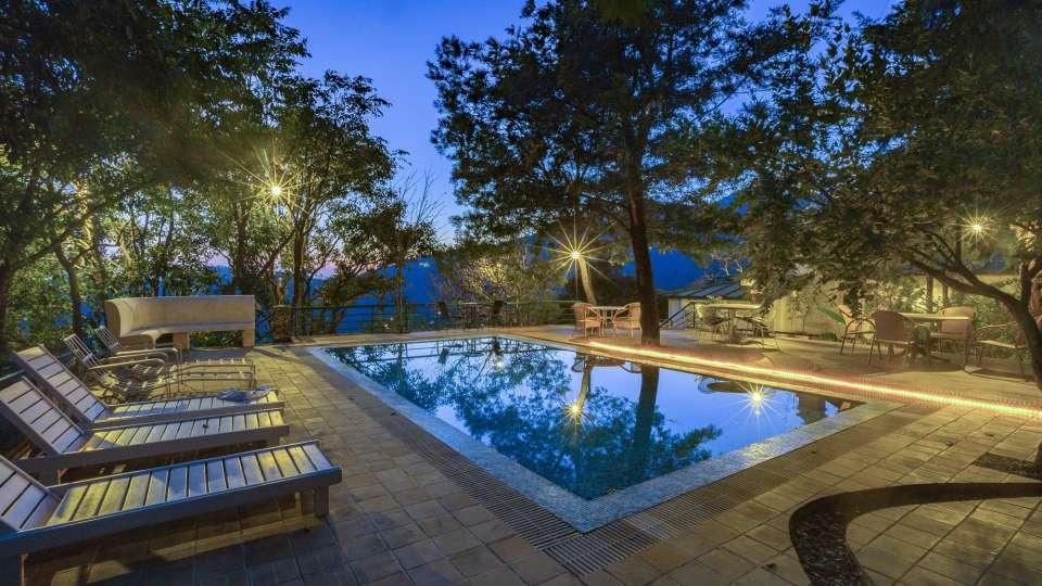 Swimming Pool Bara Bungalow Gethia Nainital Gethia Resort