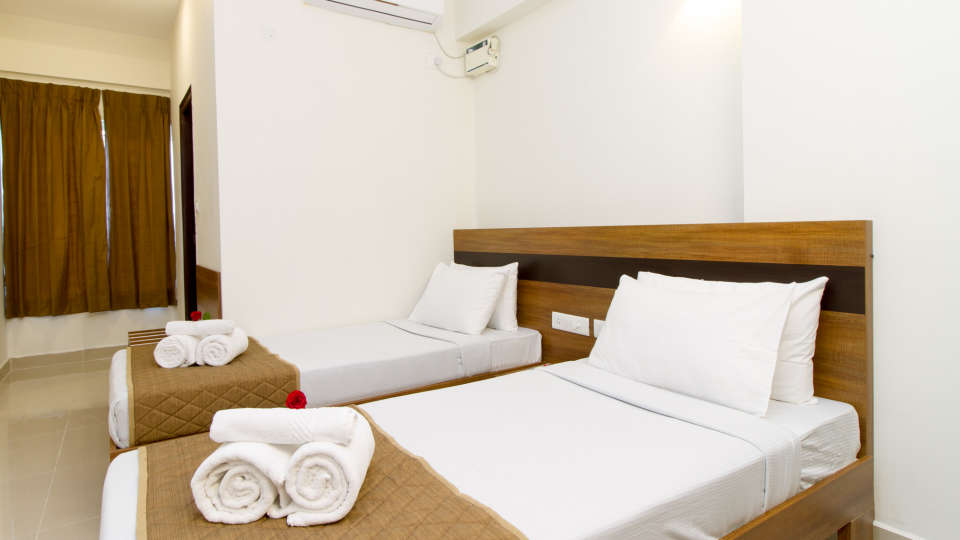 Deluxe Twin Room The Sanctum Suites in Whitefield 2