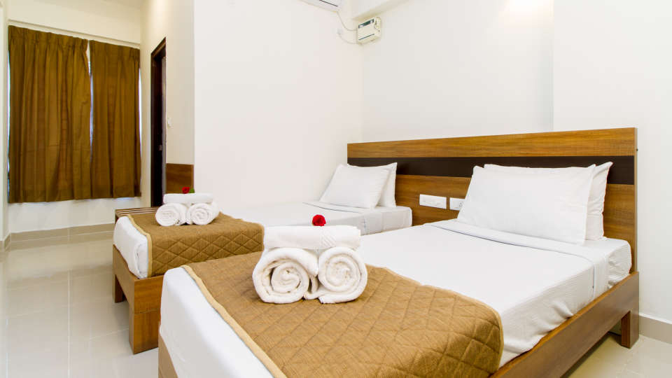 Deluxe Twin Room The Sanctum Suites in Whitefield 7
